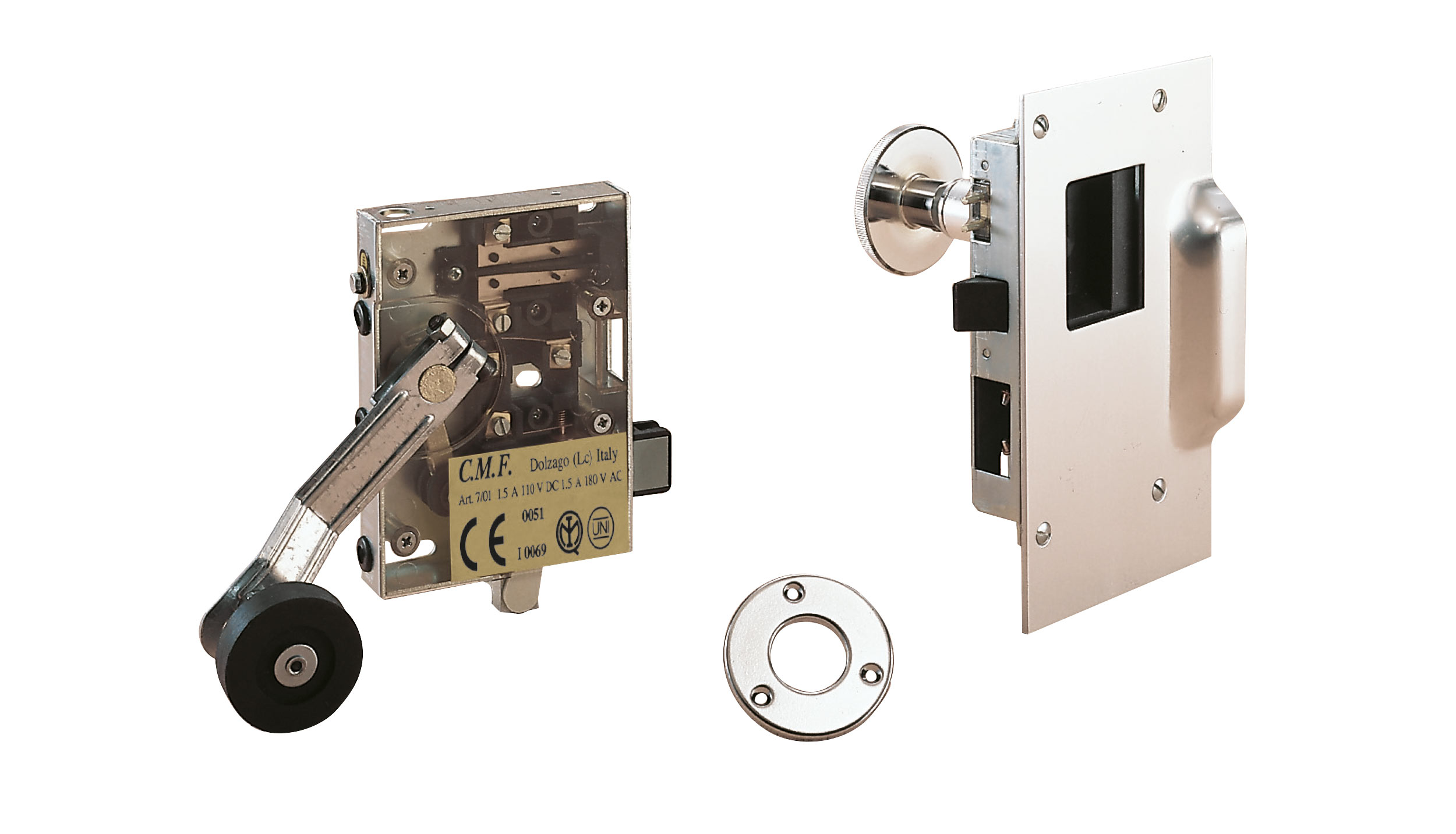 Manual enclosed homologated lock assembly with chrome finish