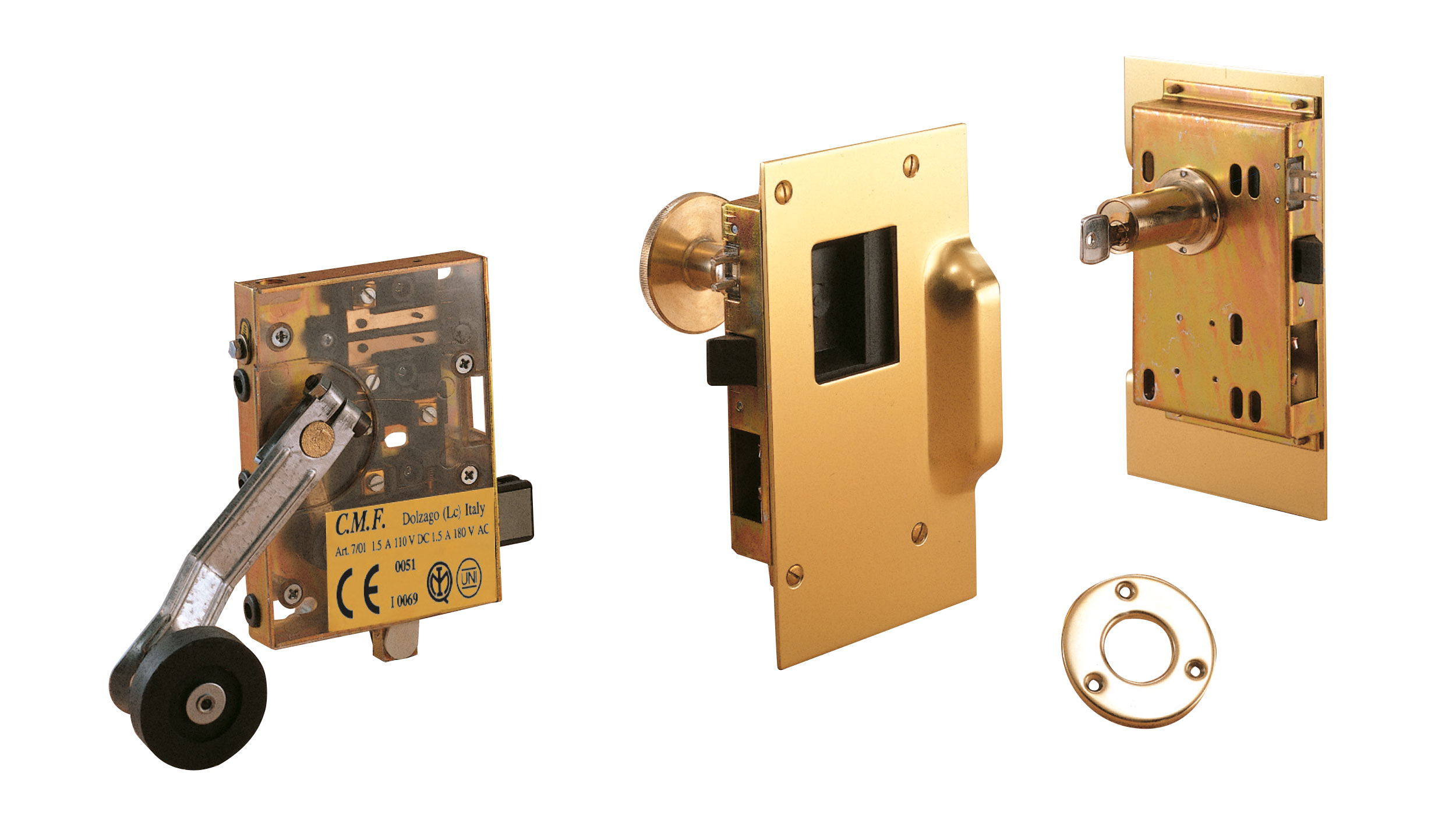 Manual enclosed homologated lock assembly in polished brass with key