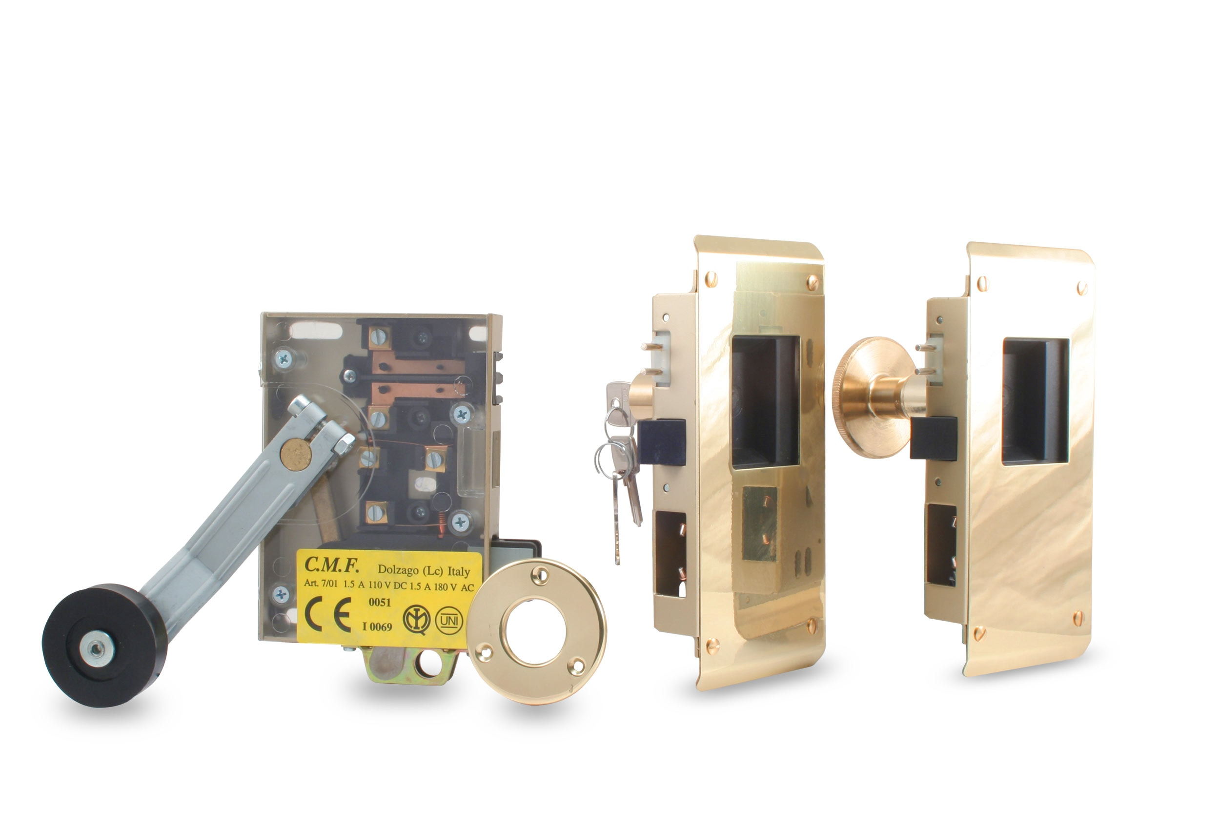 Manual homologated lock assembly in polished brass and with key